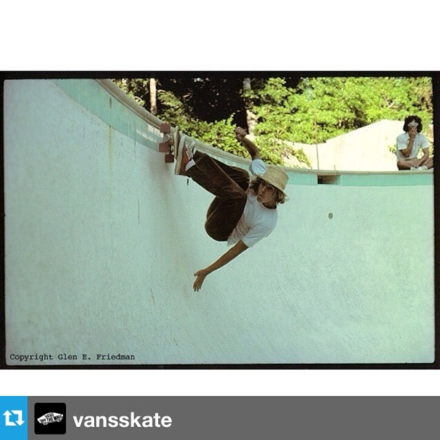 #Repost from @vansskate  Muy mala noticia. RIP Jay Adams, héroe y leyenda del skate. Groso entre los grosos. --- Rest in Peace to skateboarding pioneer and super hero Jay Adams. We owe a lot to Jay for taking skateboarding vertical in backyard pools...