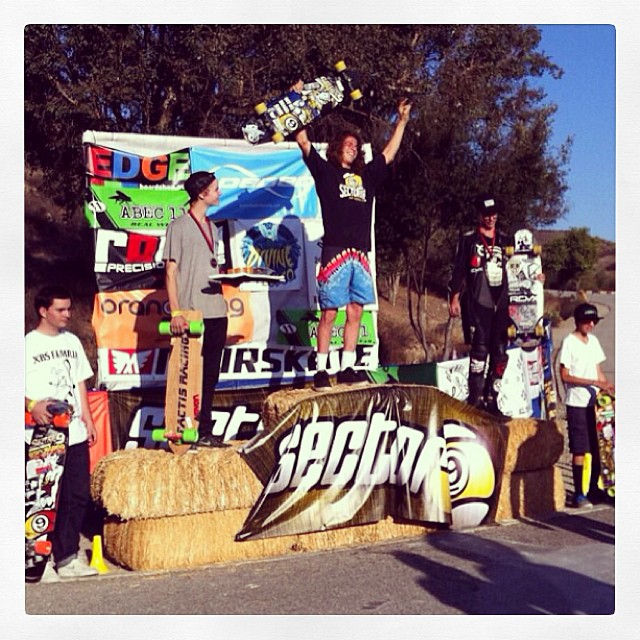 Huge congrats for our AM rider @michaeldavidschardt for taking 2nd at Bonelli this weekend! Putting in work with a smile and acid melon 44's! Follow this guy for some sweet skeetboardin' shots...