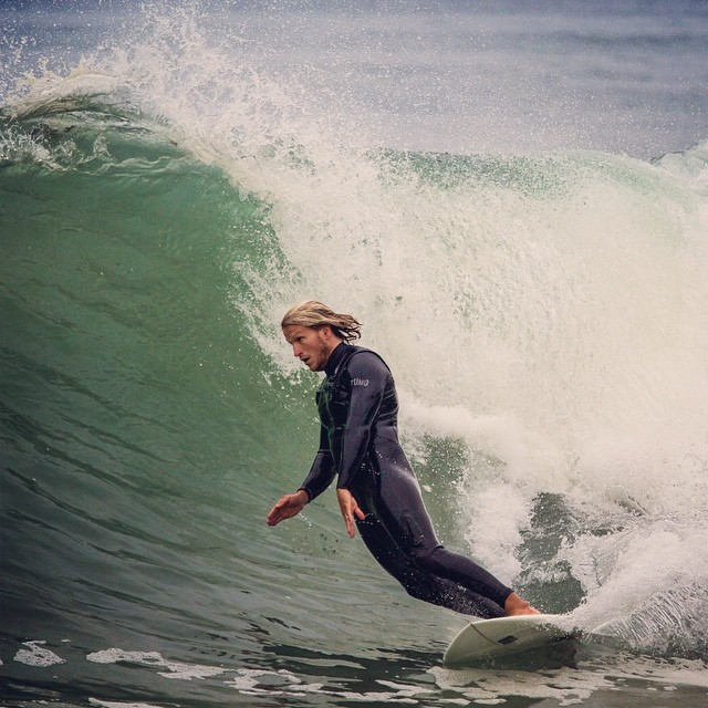 Chris O'Brien/ soul arch / on @awesomesurfboards at his homebreak #santacruz photo by @saltybreezeart #awesome #surfing #madeincalifornia #yeeew