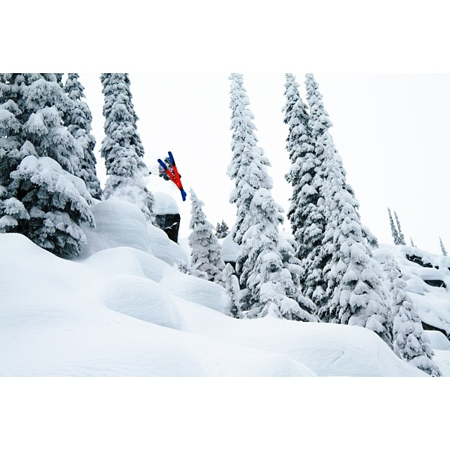 Who else is stoked for the snow to start falling? Here is a shot of @micahevangelista sending it in the Nelson backcountry.  Photo: @dylan_hallett