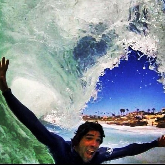 ~Heitor Alves #Stoked @heitorsurf photo: @kaleuwildner #HotlineWetsuits #BarrelFace