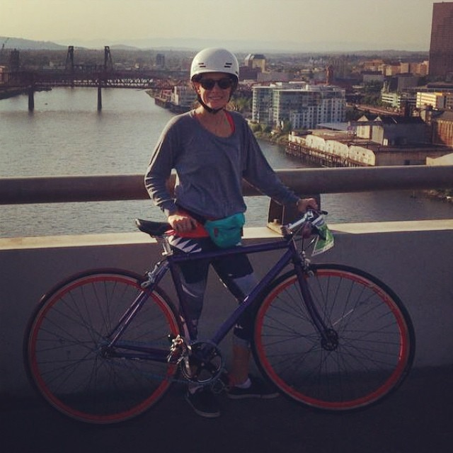 @thesmallviking tours #Portland over 8 bridges and 24 miles in her @xshelmets white Freeride helmet  #BridgePedal #xshelmets #bike #urbancycling