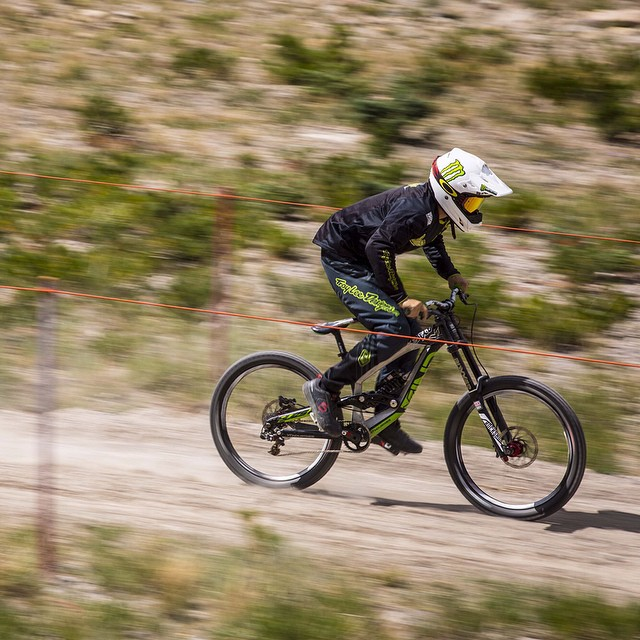 One more from today at practice! #speedtest #MammothFlip @CamZink @MammothMountain  Photo @petermorning