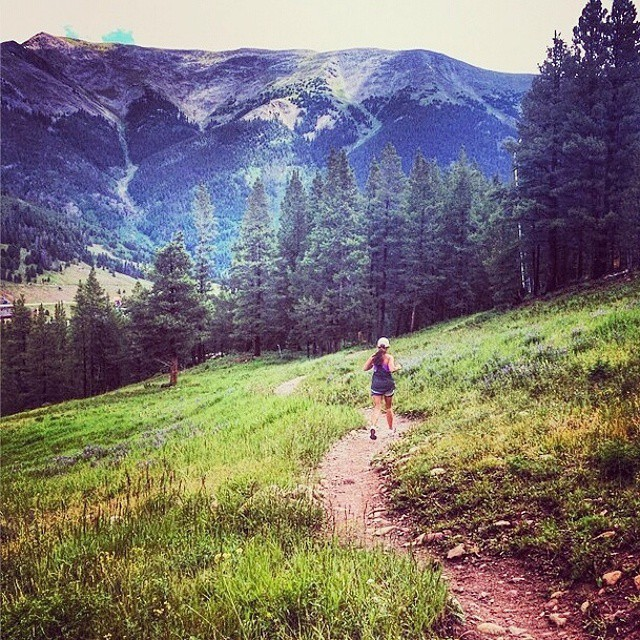 "#MountainLife #mountainlifeco #women #Wednesdays we feature our #mountainwomen #MountainLifeCo #dirtbarbie who love to get lost in the #mountains @lizwilson0406 on her 6 mile #trailrun at @coppermtn on the #coloradotrail ""What's your #mountainlife?""..."