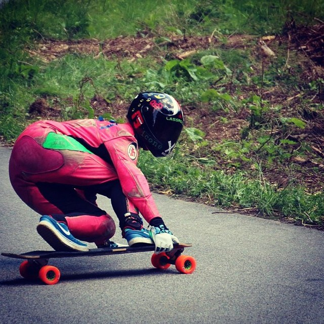 Regram from @glorifiziert and her bossy toesides at full speed #longboardgirlscrew #girlswhoshred @lgcaustria#