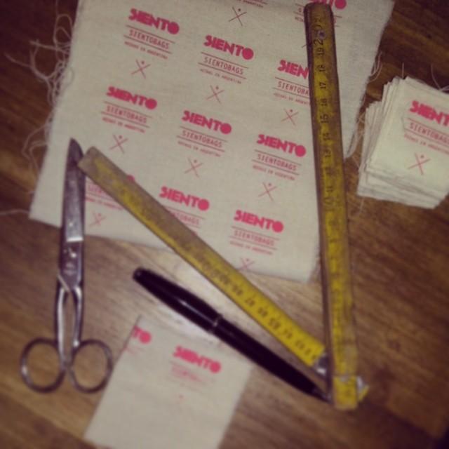 Estamos construyendo tu marca! #totebags #siento #argentina #summer