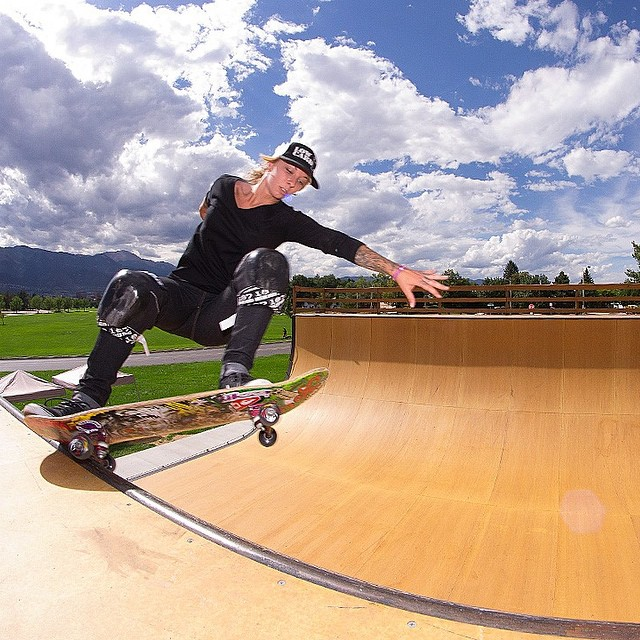 The @sk8_strong #RockyMountainRampage vert contest is happening today in Colorado. ----- LIVE WEBCAST starting at 1pm PT at bit.ly/1wfLHtL!!! ----- Julz Lynn (pictured), Gaby Ponce, Sarah Thompson, Spencer Breaux and others are skating. Can Gaby defend...