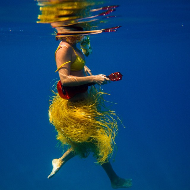 Hula-ing my way around the world!  Photo by @hisarahlee @odinasurf