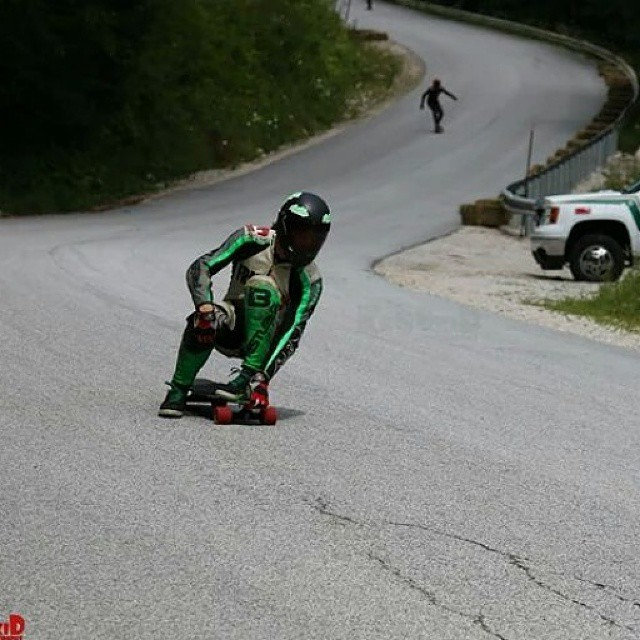 Regram from @charlesouimet , footbraking and turning at 65mph!