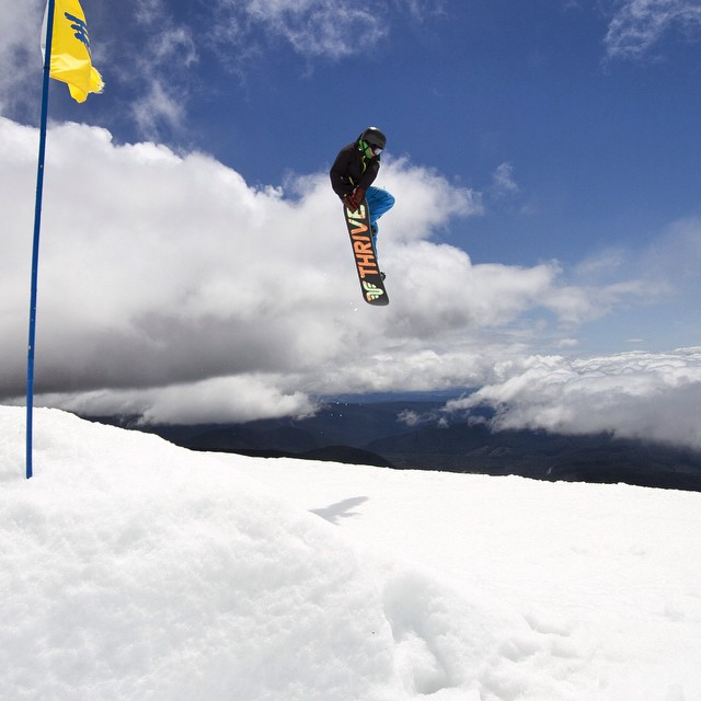 Double Tail Grab #summershred #timberlinelodge #mthood #snowboard #tailgrab @a.bakez #photographer #thrivesnowboards