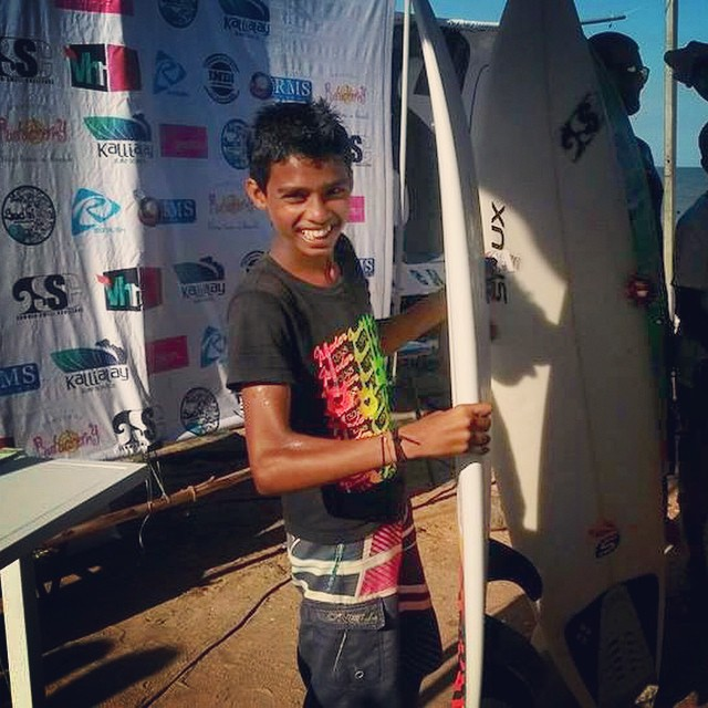 Ramesh from the #kovalamsurfclub and #SISP wins India's Most Promising Upcoming Grom at Pondicherry's #summerswellchallenge2014. Way to go little man!!! #kingofkovalam #surfingindia #seamerise #groms #haanji