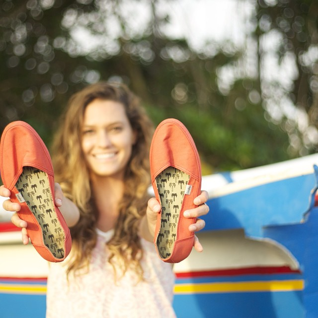 Happy days in Bali w/ @camillebrady and the Coral Kelapas ☀ #goodhumancrew #coralkelapashoe #balifornia