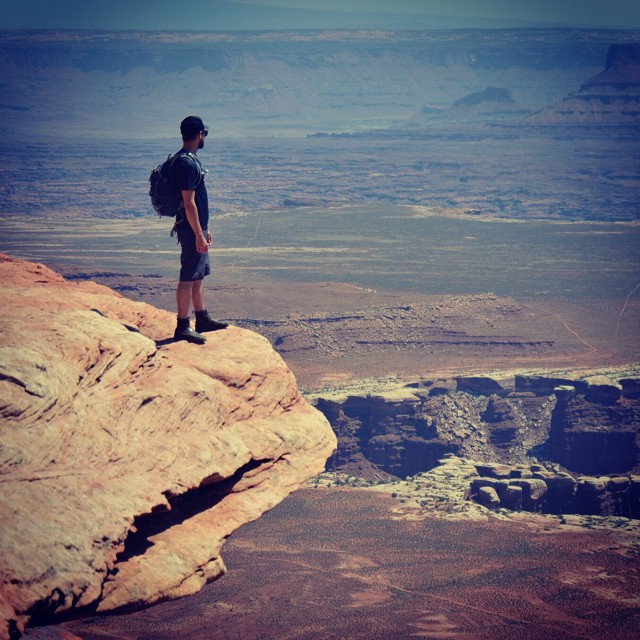 Remembering a good day in #canyonlands the other week. What the #desert lacks in #life, it makes up for in making you feel #alive.
