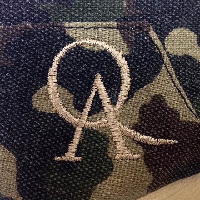 Una marca expresada en 937 puntadas... www.QA.com.ar