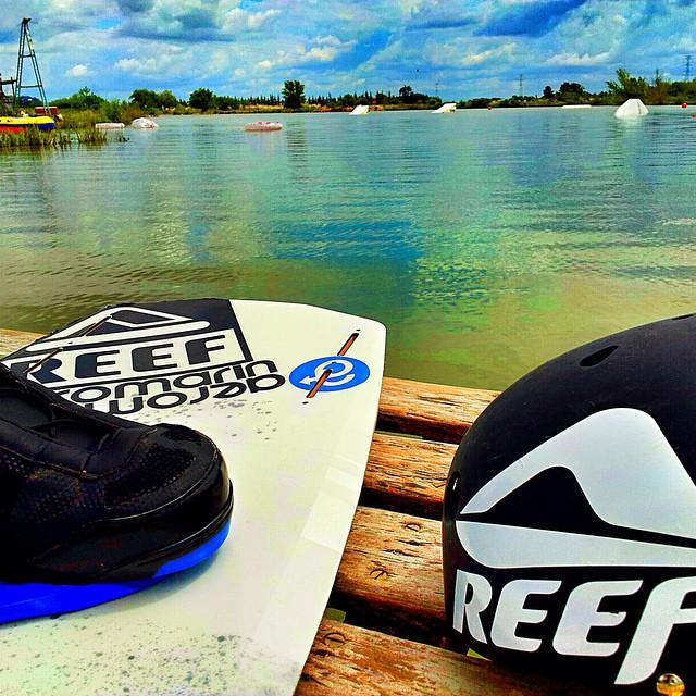 Cutun Martín preparándose para una jornada de wake. #soul #surfing #waves #reefargentina