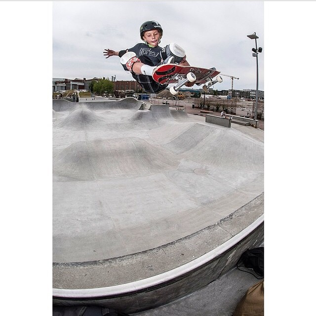 Regram @ramingol of @k33gan at #ultrabowl. #skateboarding #stalefish #s1helmets