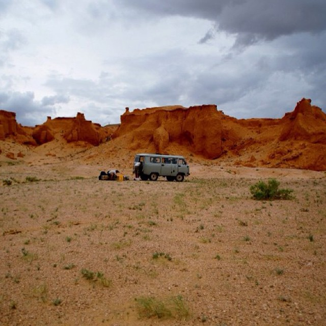 #adventuremobile in the #gobidesert, courtesy of Eddie Coleman, who snapped this in front of the Flaming Cliffs of Bayanzag. Enjoy your adventures this weekend, and happy shooting.