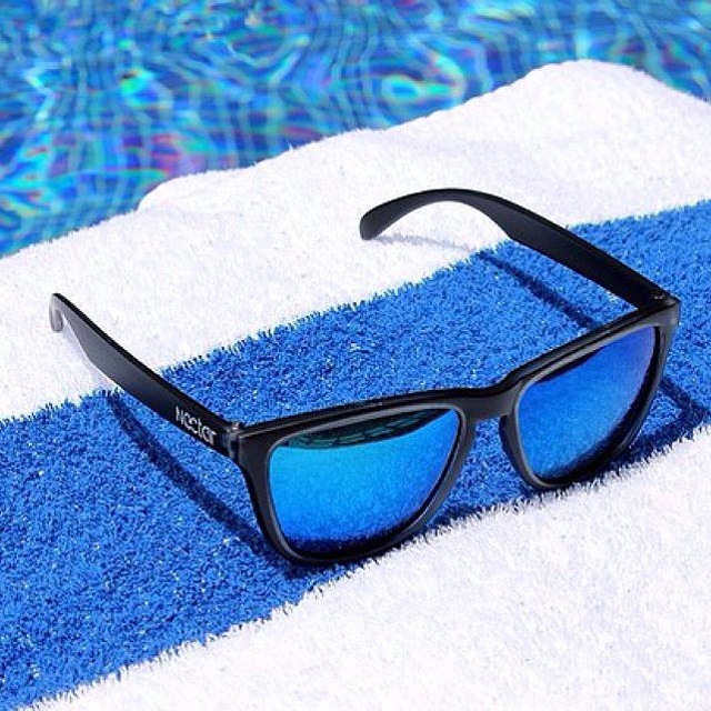 Loungin' by the pool! Send us your best leisure dive pic in your favorite sunnies! || #nectarlife #thesweetlife #nectarshades