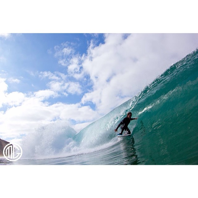 Hope everyone is having a good Labor Day! Here's team rider @noabryan in a glassy Southern California barrel. PC: @marc_goodnough #SouthernCalifornia #CaliforniaTransplant #MadeInHawaii #Insta #Ocean