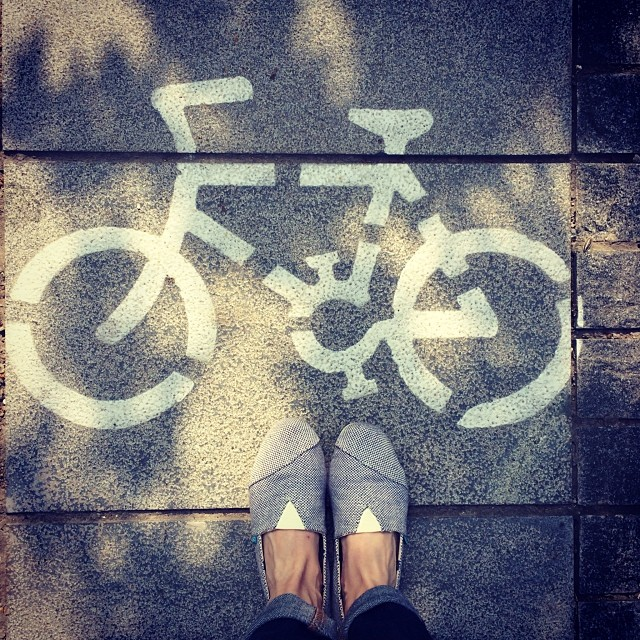 #paez #paezshoes #shanghai #aroundtheworld #shoes #fashion #travel #moganshanroad #artdistrict #asia #bike