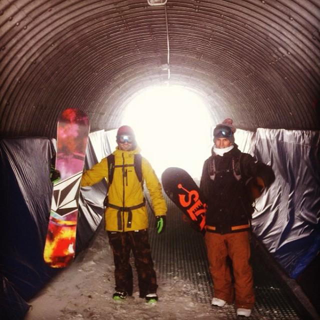 En @valle_nevado nos tuvimos que refugiar con @tomimateri por la tormenta que entro! :) @slashsnow