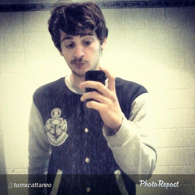 Repost de @tomxcattaneo. #selfie #varsityjacket #perrabastarda