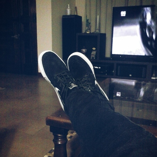 A dormir? #relax #nike #shoes #black re piola no salgo :D