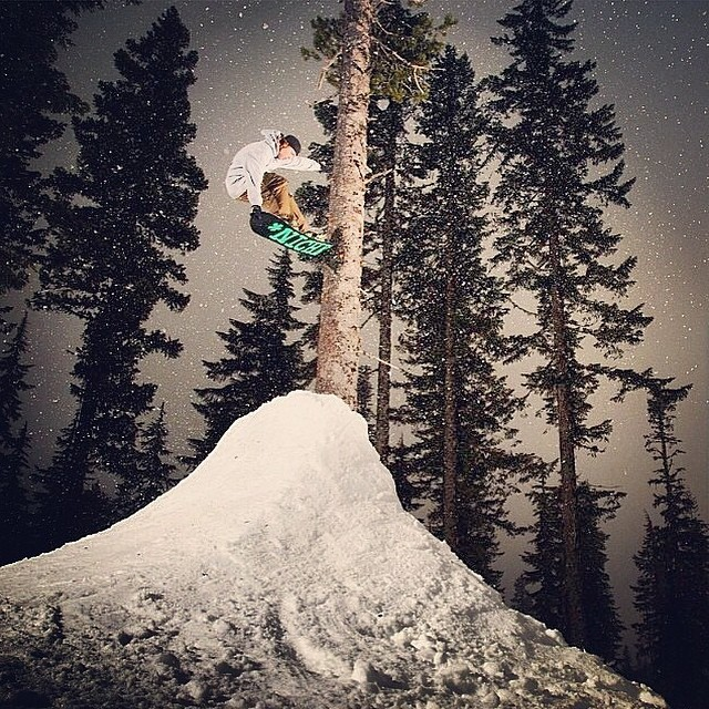 #regram from @drewbiedooby: @winterislove having a stellar time in the Oregonian woods. #nichesnowboards