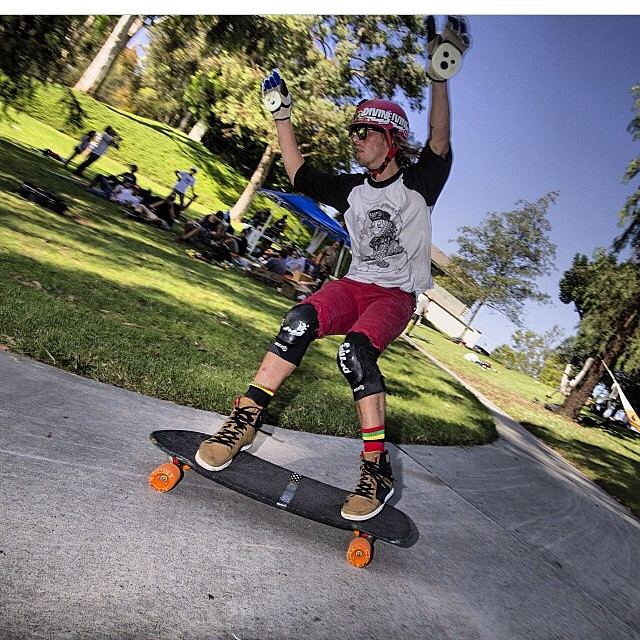 @lonniesk8 slashing big stand ups  all around ! Repost from @divinewheelco #staysteez #keepitholesom