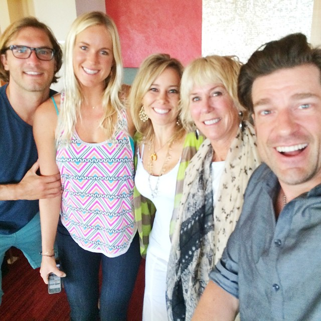 Amazing morning with incredible friends @pamelahuntlee @bethanyhamilton #adamdirks & @shawnakorgan at @SurfExpo in #orlandoflorida | @centurionboats | #choosepositivitynow.com