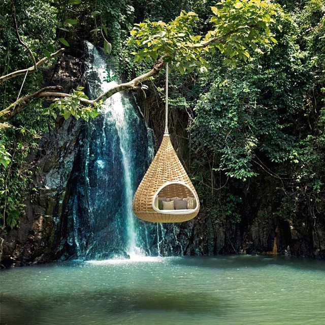 How would you like to relax in this bad boy! The #nestrest designed by french duo, Daniel Pouzet and Fred Frety is one of the coolest loungers we've ever seen! #unreal #relax #waterfall #design #swimminghole #lounge