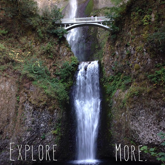 Oregon is amazing // lower falls at Multnomah Falls // #stzlife #oregonisawesome #oregon #travel #exploremore #longgone #summeradventures #oldstompinggrounds