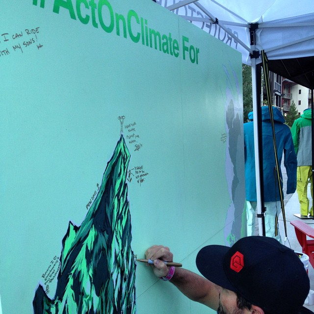 Stopped by the @protectourwinters booth at the #jjoneshigher premier we #actonclimate because we love #snowboarding and #powdays - how you do #actonclimate? #protectourwinters #winteriscoming #pow #snow #climatechange #sustainability #green #winter