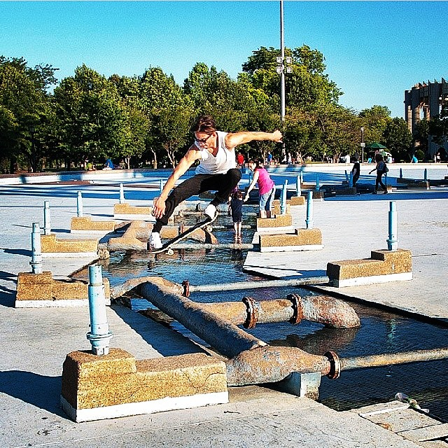 @marcellocampanello  Ollie over the big grate at flushing meadows park in Queens, New York. Photo: @lorcastillo_