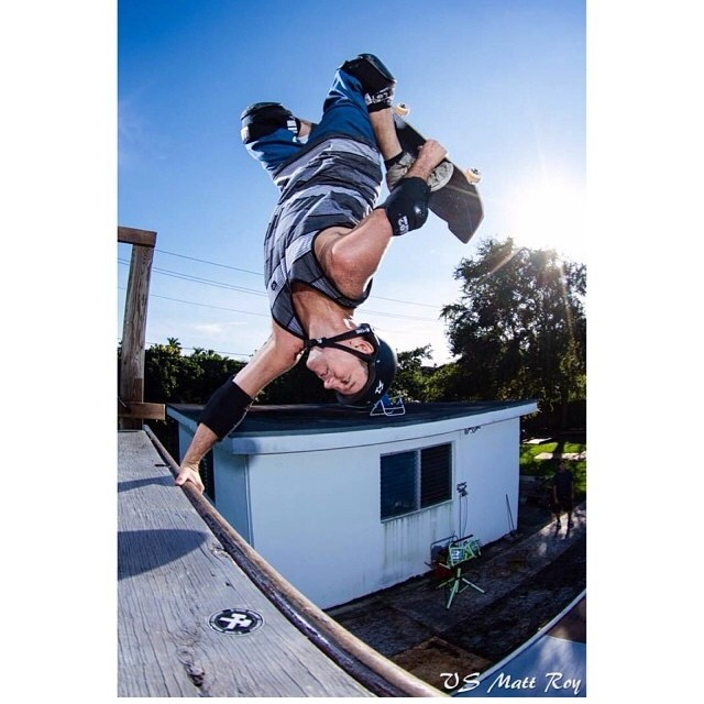 Regram @vertskateboarding #MarkLake #TuckKnee #invert Photo: #MattRoy Mark wears an #s1 #lifer #helmet #skateboarding #skatehelmet