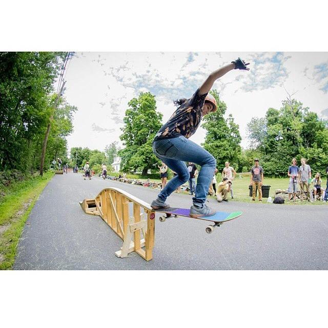 @carmen_sutra pole jammin' like a champ at #skatecentralma PC: Ali Baba #calibertrucks #northweststyles