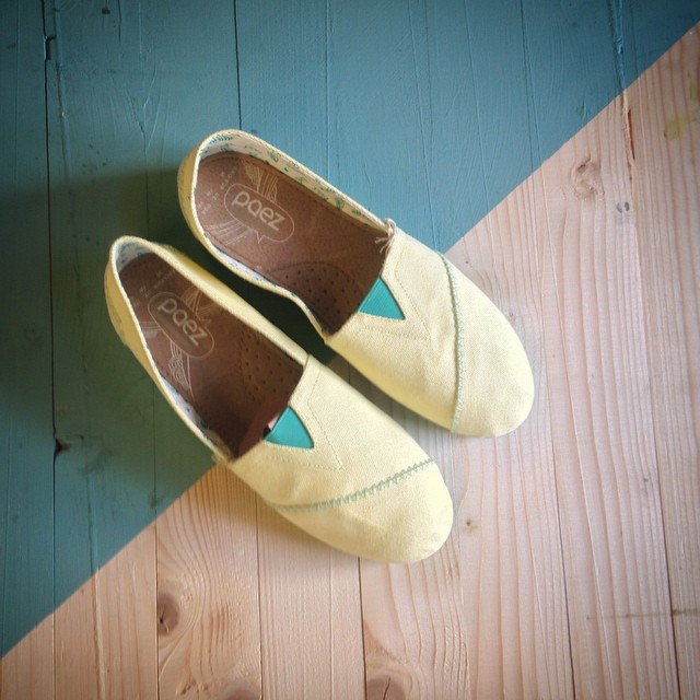 Mello yello is our pick for today. #Paezshoes Happy Classic's.