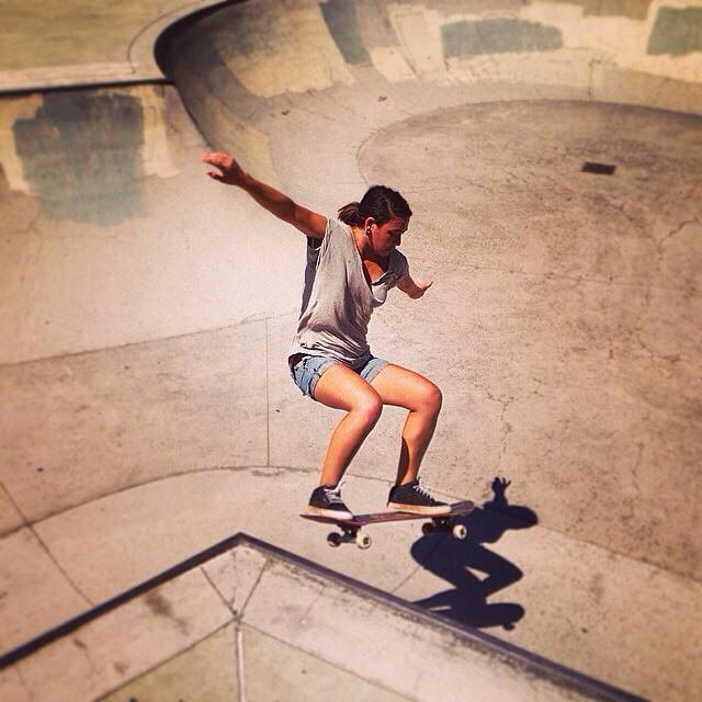 Team rider Yvonne Byers--@yvonzing floats one off the hip!  #yvonnebyers #bonzing #skateboarding #california