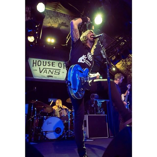 @foofighters tocó en la @houseofvansldn. Tremendo!! #music #vans