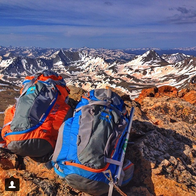 Couple-a-Salutes atop Mt. Belford en route to Mt. Oxford. Repost from @abenaquista #collegiatepeaks #14er