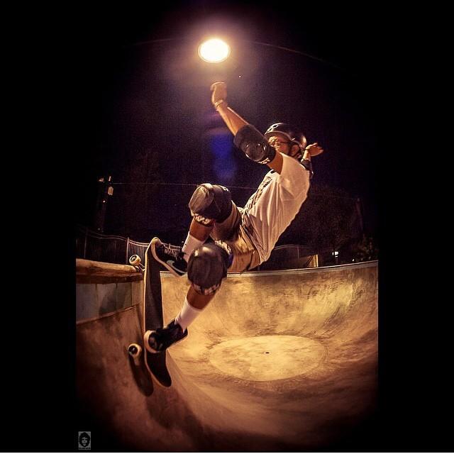 @eddieelguera #frontsideslash @palmsprings_skatepark #skatephoto by @orlandowelshphotography #s1helmets