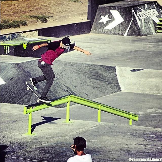 Sandro Moral en #ReydeReyes  Bs Noseblunt @sandromoral PH: Ramiro Ayala #Volcom #Skate