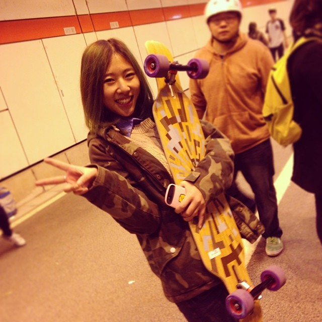 Our wall-sittin' champion Nicki outlasted her competition and walked away with a big smile... and a #loadedboards #tantien complete with #orangatang #thekilmer wheels! #longboardcn #loadedasiantour