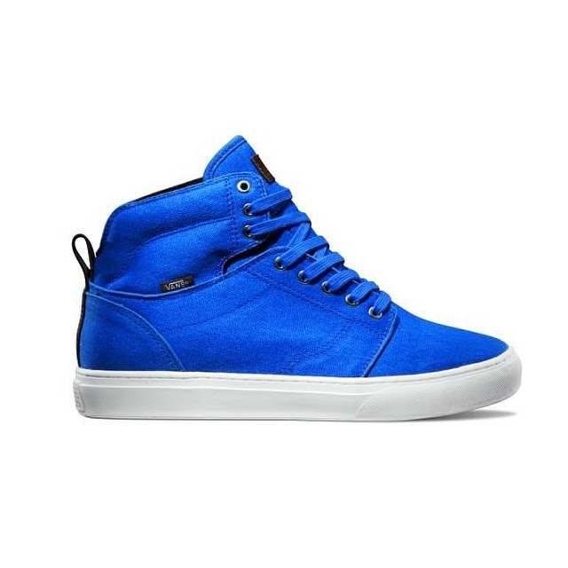Alomar - Bright Blue, de la línea #VansOTW  PUNTOS DE VENTA Fitzrovia (Quilmes, Lomas de Zamora, Lomitas, Caballito), Red Market (Capital Federal), Efecto Uno (Capital Federal), Old School Shoes (Capital Federal), Duke Sneaker House (Hudson), Rocky...