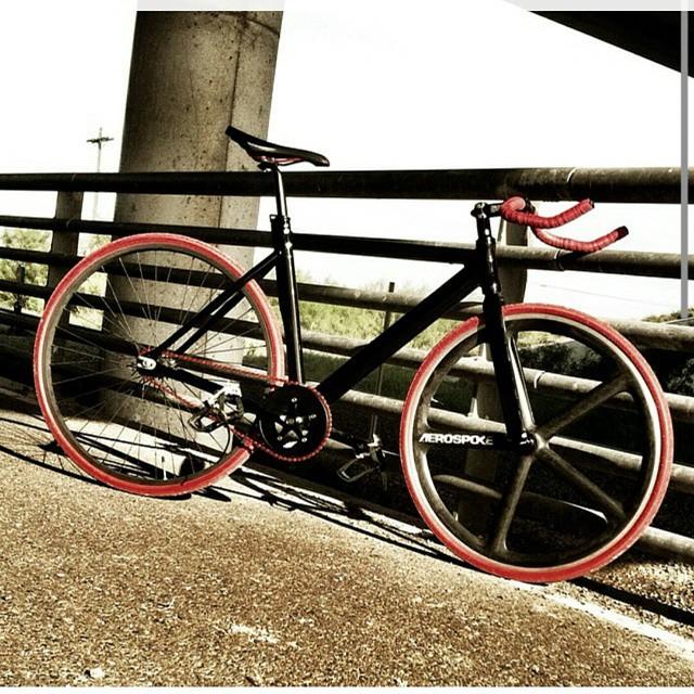 Get your morning fix! #fixedgear #dailyfix #aerospoke #frame #singlespeed #bikeporn #trackbike #boombotix