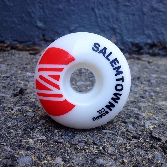 New Salemtown 55mm skate wheels up on the website! Go pick yourself up a set #handmadeskateboards #skatetheedges #nashville