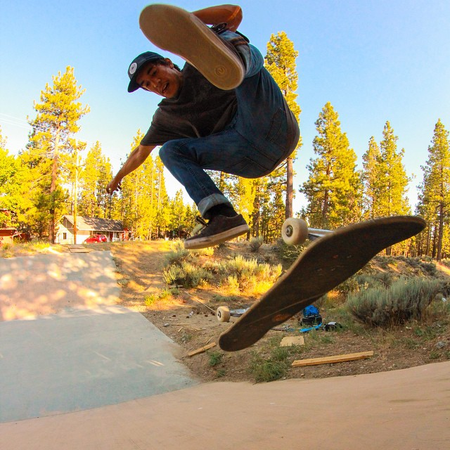 Flux team rider @_keonikaimuloa_ kickin and flippin in an end of summer skate session. Getting Rad.