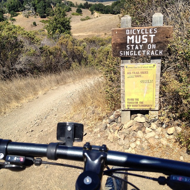 Always a good sign to see - starting off the weekend right with an awesome ride with the @shejumps crew #tamarancho #sanfrancisco #mountainbikng #flowtrail #singletrack #chicksthatrip #sisterhoodofshred