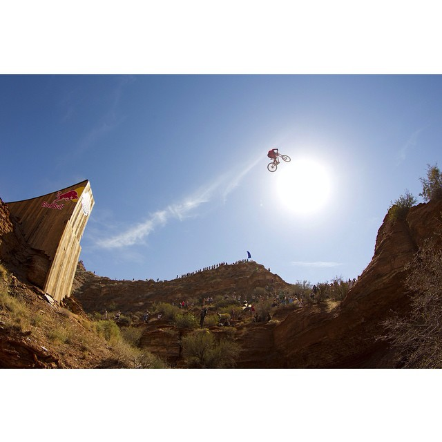 Have a question for the guys who are competing in Red Bull #Rampage? Fire away! Click the link in our profile to join our Reddit 'Ask Us Anything'. @CamMcCaul by @gibbymtbphoto