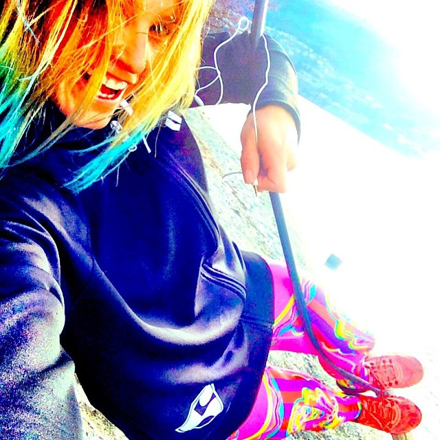 #regram from @juliamancuso | #reppingthe5 | @armadaskis x #highfivesfoundation collab hoodie